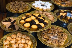 Trays of Spanish pastries, La Colmena bakery and confectionery shop, Placa de l'Angel, Gothic quarteの写真素材 [FYI03787652]