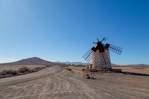 Molino de Tefia on the volcanic island of Fuerteventura, Canary Islands, Spain, Atlantic, Europeの写真素材 [FYI03787936]