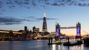 Tower Bridge and The Shard at sunset, taken from Wapping, London, England, United Kingdom, Europeの写真素材 [FYI03788090]