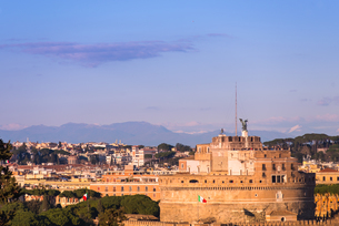 Castel Sant'Angelo (Mausoleum of Hadrian) seen from Janiculum Terrace at sunset, Rome, Lazio, Italy,の写真素材 [FYI03788493]