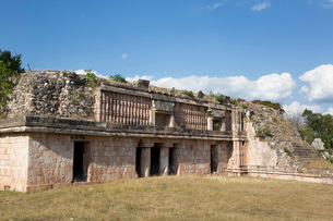 Mayan Ruins, The Palace, Puuc Style, Chacmultun Archaeological Zone, Chacmultan, Yucatan, Mexico, Noの写真素材 [FYI03788833]