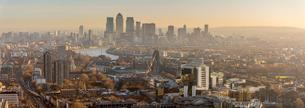 Canary Wharf skyline, Docklands, London, England, United Kingdom, Europeの写真素材 [FYI03788987]