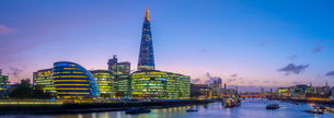 The Shard and City Hall by River Thames, Southwark, London, England, United Kingdom, Europeの写真素材 [FYI03789002]