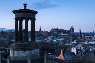 Edinburgh from Calton Hill, Edinburgh, Lothian, Scotland, United Kingdom, Europeの写真素材 [FYI03789021]