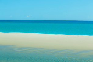 Salema beach, the Algarve, Portugal, Europeの写真素材 [FYI03789052]