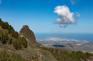 High view of Las Palmas de Canaria from near Pico de las Nieves, Gran Canaria, Canary Islands, Spainの写真素材 [FYI03789073]