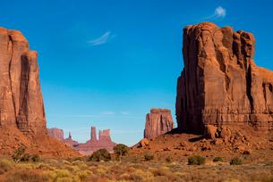The Monument Valley Navajo Tribal Park, Arizona, United States of America, North Americaの写真素材 [FYI03789260]