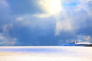 The Belle Tout Lighthouse surrounded by snow, Beachy Head, South Downs, East Sussex, England, Unitedの写真素材 [FYI03789509]