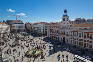 Elevated view of Real Casa de Correos and Puerta del Sol, Madrid, Spain, Europeの写真素材 [FYI03789517]
