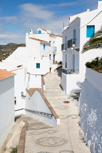 Narrow streets with whitewashed Andalucian houses, Frigiliana, Malaga Province, Costa del Sol, Andalの写真素材 [FYI03789519]
