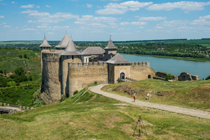 Khotyn Fortress on the river banks of the Dniester, Ukraine, Europeの写真素材 [FYI03789716]