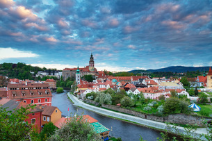 Cesky Krumlov Castle dating back to 1240, Cesky Krumlov, UNESCO World Heritage Site, South Bohemia,の写真素材 [FYI03789964]