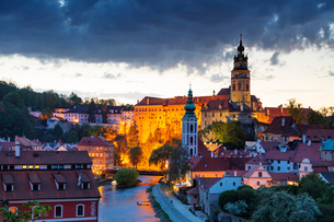 Cesky Krumlov Castle dating back to 1240, Cesky Krumlov, UNESCO World Heritage Site, South Bohemia,の写真素材 [FYI03789967]