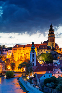 Cesky Krumlov Castle dating back to 1240, Cesky Krumlov, UNESCO World Heritage Site, South Bohemia,の写真素材 [FYI03789968]