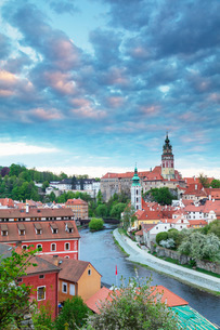 Cesky Krumlov Castle dating back to 1240, Cesky Krumlov, UNESCO World Heritage Site, South Bohemia,の写真素材 [FYI03789970]