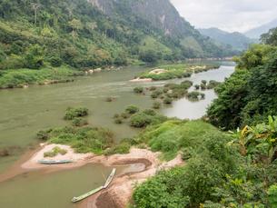 Nam Ou River, Nong Khiaw, Laos, Indochina, Southeast Asia, Asiaの写真素材 [FYI03790481]