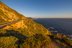 View of Big Sur Coastline, Highway 1, Pacific Coast Highway, Pacific Ocean, California, United Stateの写真素材 [FYI03790508]