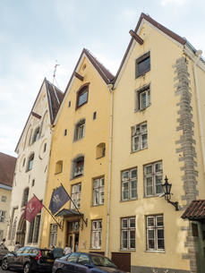 Tallinn's Three Sisters, a trio of merchants' houses built in 1362, Old Town, UNESCO World Heritageの写真素材 [FYI03791183]