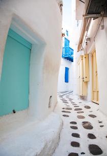 Streets of Mykonos, Cyclades, Greek Islands, Greece, Europeの写真素材 [FYI03791311]