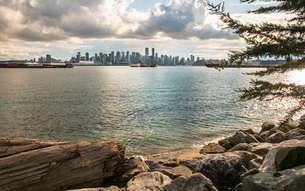 View of Vancouver Downtown from North Vancouver, Vancouver, British Columbia, Canada, North Americaの写真素材 [FYI03791337]