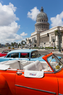 Cathedral Square, Havana, Cuba, West Indies, Caribbean, Central Americaの写真素材 [FYI03791452]