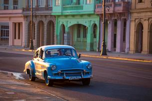 Old American car, Havana, Cuba, West Indies, Caribbean, Central Americaの写真素材 [FYI03791453]