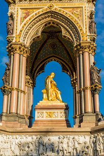 The Albert Memorial in Kensington Gardens, London, England, United Kingdom, Europeの写真素材 [FYI03791659]