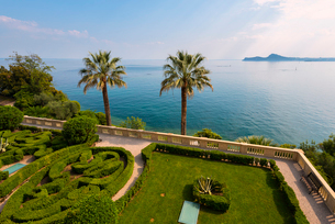 Isola del Garda on Lake Garda, Brescia province, Lombardy, Italian Lakes, Italy, Europeの写真素材 [FYI03791802]