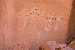 Five Faces Pictograph, Canyonlands National Park, Utah, United States of America, North Americaの写真素材 [FYI03791843]