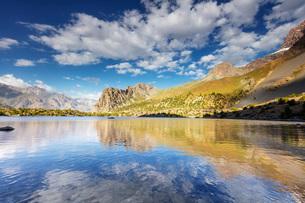 Alaudin Lake, Fan Mountains, Tajikistan, Central Asia, Asiaの写真素材 [FYI03791891]