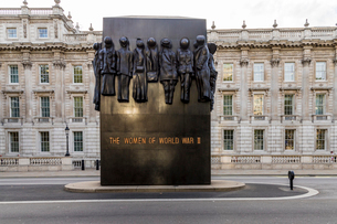 The Monument to the Women of World War II, in Whitehall, Westminster, London, England, United Kingdoの写真素材 [FYI03791932]