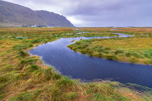 Flowing water of winding creek, Fredvang, Nordland county, Lofoten Islands, Norway, Europeの写真素材 [FYI03792064]