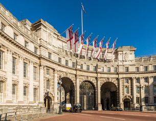 Admiralty Arch on The Mall, London, England, United Kingdom, Europeの写真素材 [FYI03792230]