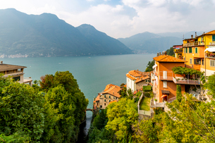 View of Lake Como from Nesso, Province of Como, Lake Como, Lombardy, Italian Lakes, Italy, Europeの写真素材 [FYI03792258]