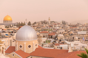 View of Dome of the Rock and the Old City, UNESCO World Heritage Site, Jerusalem, Israel, Middle Easの写真素材 [FYI03792396]