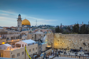 Western Wall and the Dome of the Rock, Old City, UNESCO World Heritage Site, Jerusalem, Israel, Middの写真素材 [FYI03792405]