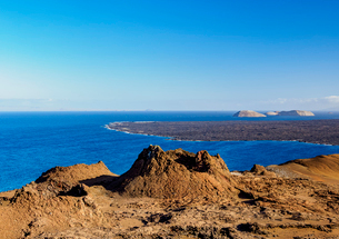 Volcanic landscape of Bartolome Island, Galapagos, UNESCO World Heritage Site, Ecuador, South Americの写真素材 [FYI03792424]