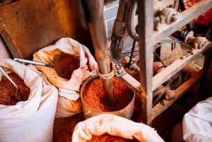 Chilli powder, Zhongyi Market, Lijiang, Yunnan Province, China, Asiaの写真素材 [FYI03792552]