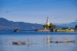 Lighthouse, Parapat, Lake Toba, Samosir Island, Sumatra, Indonesia, Southeast Asia, Asiaの写真素材 [FYI03792610]