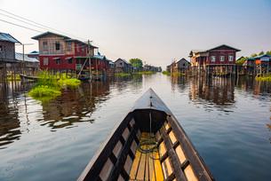 Inle Lake boat trip, Shan State, Myanmar (Burma), Asiaの写真素材 [FYI03792929]