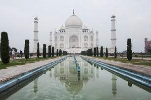 Taj Mahal in Agra, India, Asiaの写真素材 [FYI03793049]