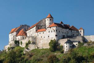 Burghausen Castle in Burghausen, Germany, Europeの写真素材 [FYI03793248]