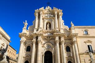 Cathedral, baroque facade, Piazza Duomo, Ortigia (Ortygia), Syracuse (Siracusa), UNESCO World Heritaの写真素材 [FYI03793541]