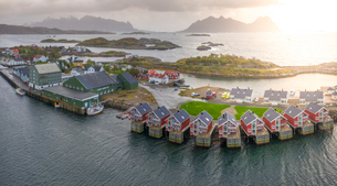 Aerial view of Svolvaer at sunset in Norway, Europeの写真素材 [FYI03793744]