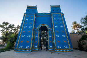 Reconstructed Ishtar Gate, Babylon, Iraq, Middle Eastの写真素材 [FYI03793846]
