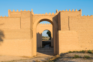 Reconstructed ruins of Babylon, Iraq, Middle Eastの写真素材 [FYI03793856]