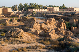 Old brick structures, Babylon, Iraq, Middle Eastの写真素材 [FYI03793857]