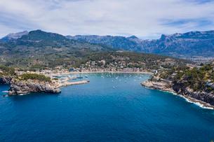 Aerial by drone of Port de Soller, Mallorca, Balearic Islands, Spain, Mediterranean, Europeの写真素材 [FYI03794043]