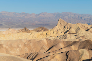 Zabriskie Point in Death Valley National Park, California, United States of America, North Americaの写真素材 [FYI03794192]