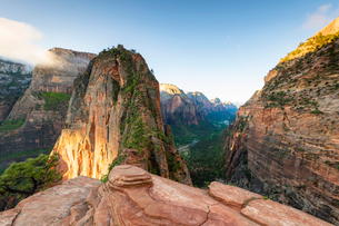 Angels Landing, Zion National Park, Utah, United States of America, North Americaの写真素材 [FYI03794204]